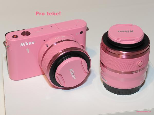 camera-nikon-pink-Favim.com-642297