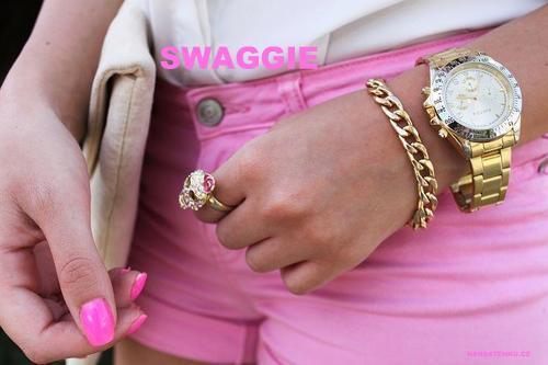 cute-pink-style-watch-Favim.com-532360