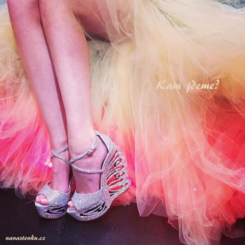 girls-shoes-sparkly-tulle-pink-Favim.com-716854